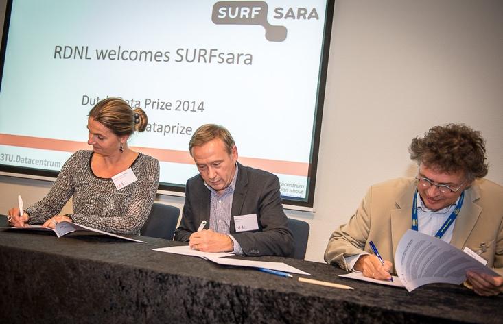 14 September 2014: SURFsara joins RDNL. From left to right: Wilma van Weezenbeek, Axel Berg, and Peter Doorn. © Annemiek van der Kuil